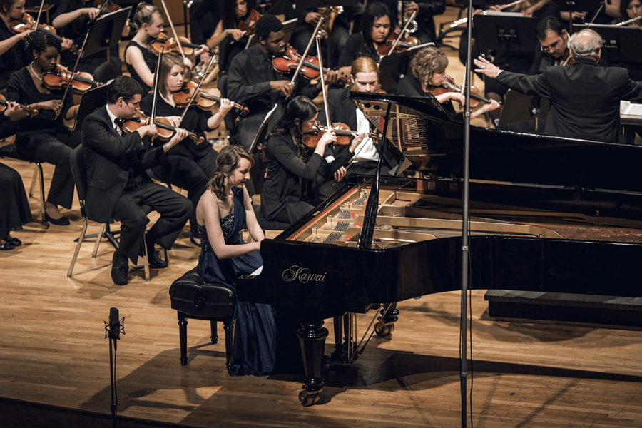Katie Kemp performs with Reinhardt Universtiy Orchestra. Photo by Benjamin and Herbert Hendrickson